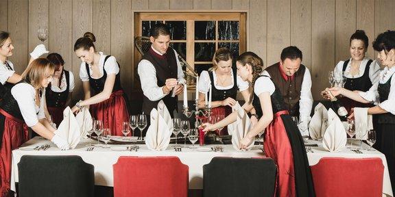 Das Serviceteam im Löwen Hotel Montafon